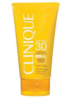 Clinique SPF 30  Solar Smart teknolojisi ile geliştirilmiş Clinique SPF 30, güneş yanığı ve yaşlanmaya karşı etkin bir koruma sunuyor. Antioksidan içeriği sayesinde çevresel zararlara karşı cildi korur. Yağ içermeyen bu krem, en hassas ciltler için de uygun.