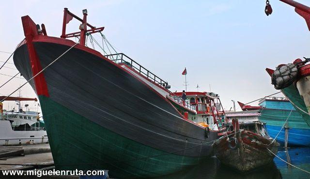 Yakarta-Harbor