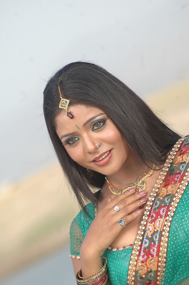 Priya Sharma Hot Wallpapers - Latest Bhojpuri Heroine Priya Sharma Hot Photos, Pics, Image