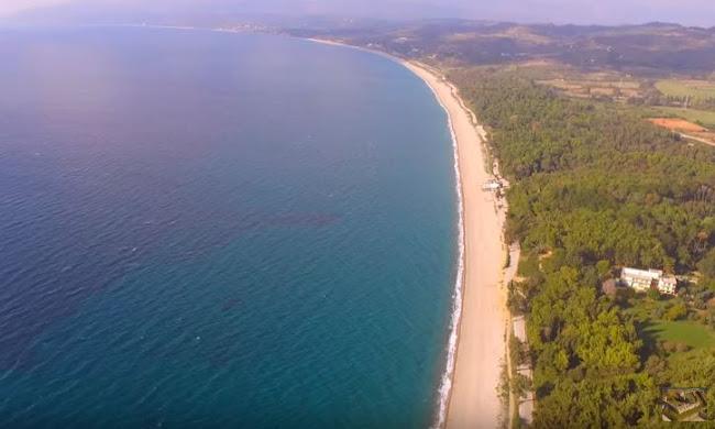 Η μεγαλύτερη παραλία με άμμο στην Ευρωπαϊκή Ένωση βρίσκεται στην Ελλάδα (video)