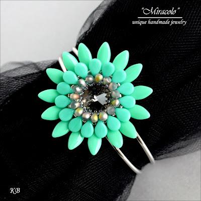 bracelet with dagger and pip beads, bransoletka z koralikami dagger i pip
