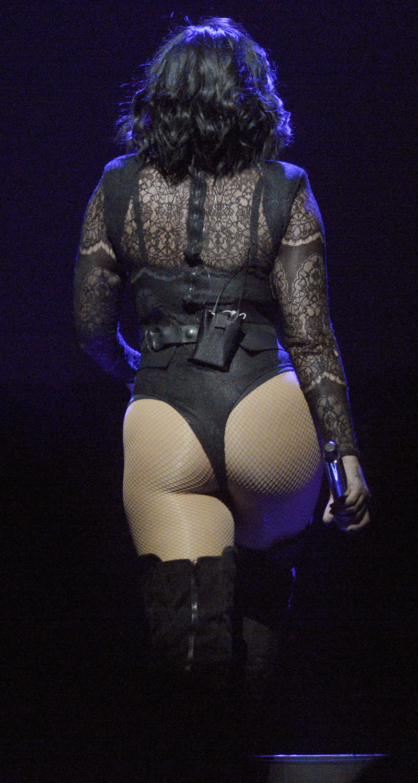 https://3.bp.blogspot.com/-AeyphspH_A4/V5fw4yS-B2I/AAAAAAAAi_I/zo_rVFIFhvgNh28fDnednb-03yGS-ky0QCLcB/s1600/gallery_enlarged-Demi-Lovato-Butt-Floss-001.jpg