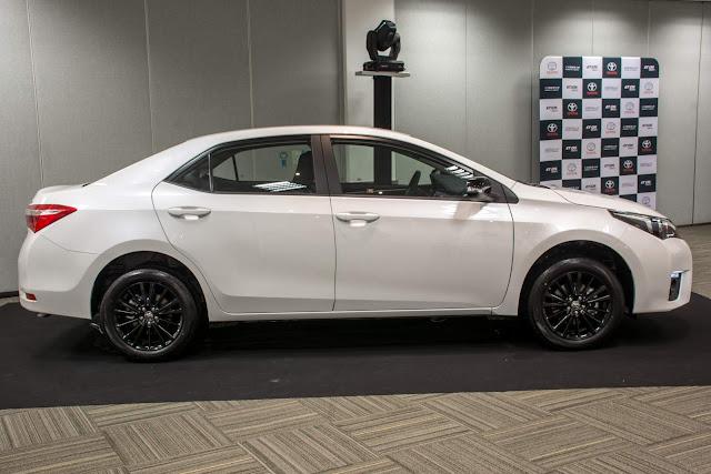 Toyota Corolla Branco Perolizado