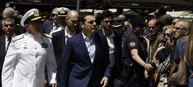 Γιούχαραν τον Αλέξη Τσίπρα στην κηδεία του Κωνσταντίνου Μητσοτάκη