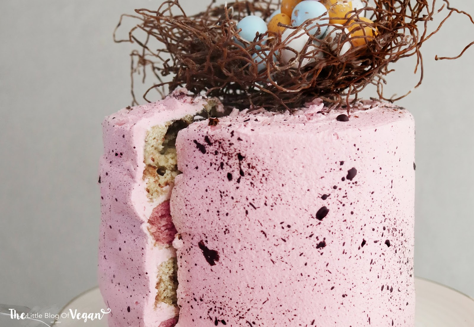 Speckled easter cake with nest recipe (ft DeDietrich)