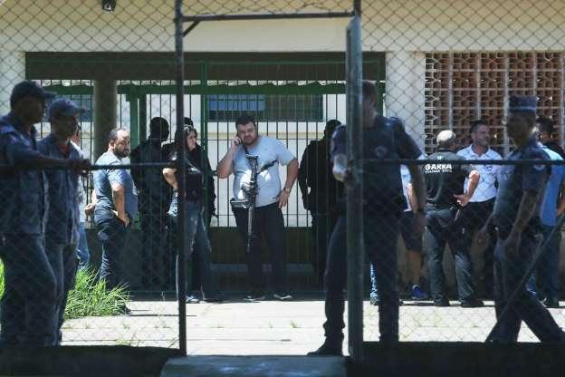BBUJ2uU - Veja fotos do massacre em Suzano