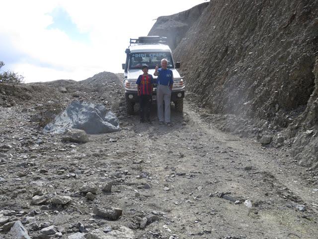 Die verschüttete Straße von Esmoraca nach Villazón mit Ach und Krach passierbar und das nur wenn es nicht regnet.