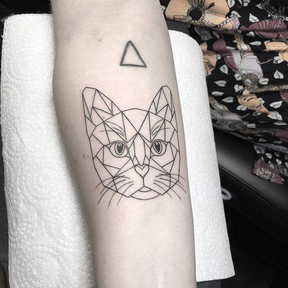 tatuagem geométrica gato