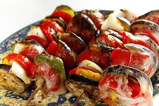 овощи, овощи на шпажках, рецепты, рецепты кулинарные, шашлык из овощей, шашлык овощной, овощи на шампурах, мангал, блюда из овощей, блюда для пикника, пикник, кулинария, блюда овощные, для пикника, из овощей, еда, про еду, советы, советы кулинарные,  Овощи на шампурах: идеи, рецепты, советы http://prazdnichnymir.ru/,