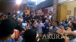 Sandiaga Uno berdiskusi dengan masyarakat Medan