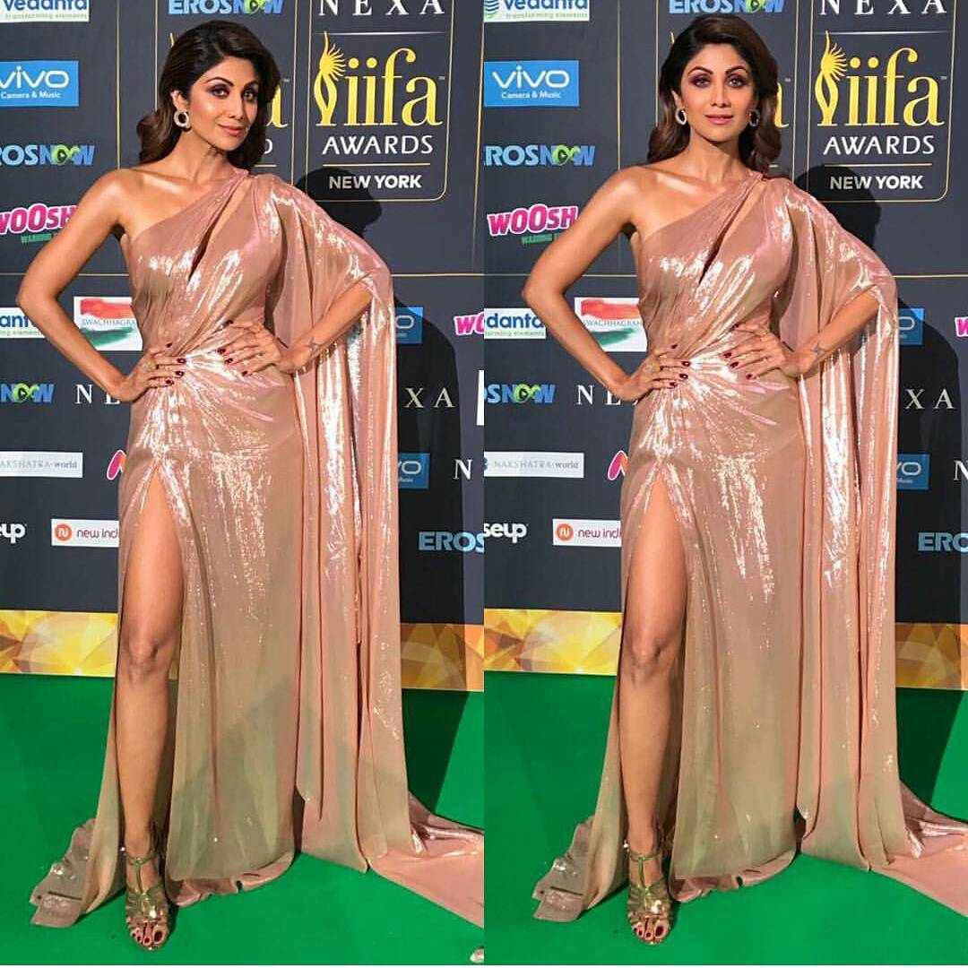 Shilpa Shetty Rocked The Green Carpet At IIFA 2017