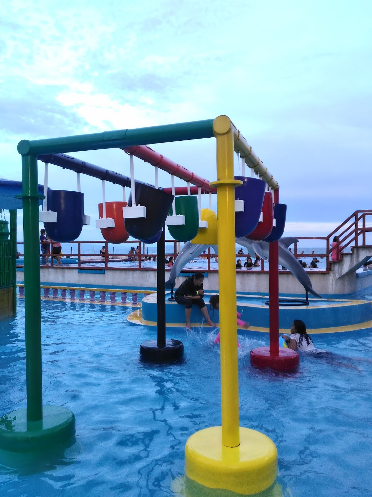 Discover davao city resorts emars wavepool davao tripper - Apartelle in davao city with swimming pool ...