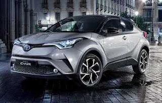 Toyota C-HR fari anteriori