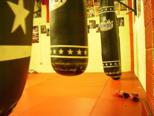 MuayThai cork sitjaipetch Craig O Flynn Muay Thai kick