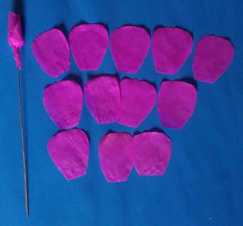 3 Langkah Mudah Membuat Bunga Mawar dari Kertas Krep 25707d4e22