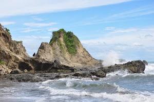 Keindahan  Pantai Karang Nini