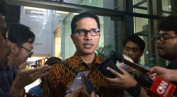 KPK Amankan Puluhan Kardus Berisi Uang Miliaran Saat OTT Jakarta