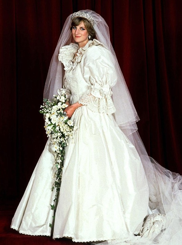 Twenty Year Old Diana Became A Worldwide Sensation And Millions All Over The Globe Tuned In To See Bride On Her Wedding Day