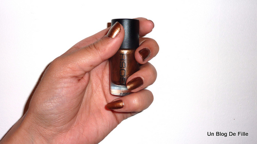 http://unblogdefille.blogspot.fr/2011/05/vernis-gosh-573-golden-brown.html
