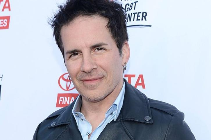 Fuller House - Season 2 - Hal Sparks Cast as DJ Tanner's Ex-Boyfriend