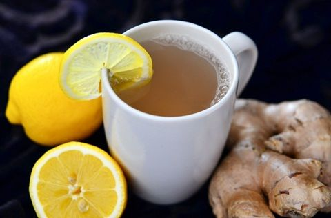 Air lemon hangat campur jahe yang kaya manfaat kesehatan