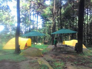 Camping Romantis