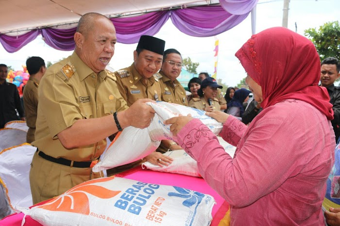 Bachtiar Turun Langsung Layani OP di Pasar Madukoro Lampung Utara