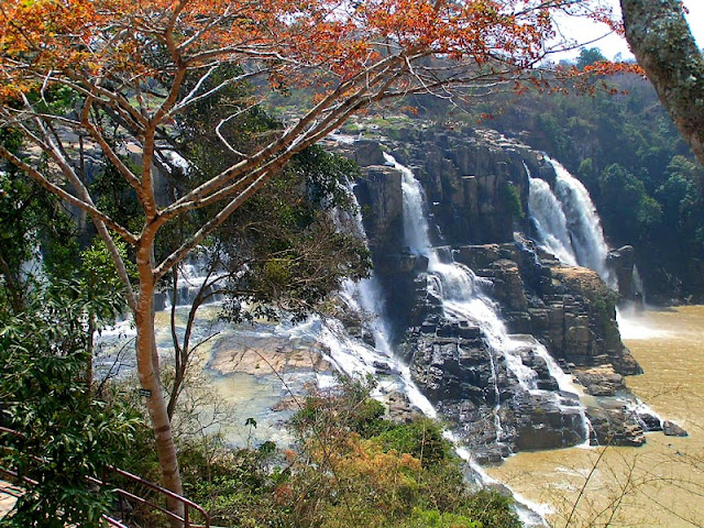 Top 4 famous waterfalls of Vietnam are tourists favorite 2