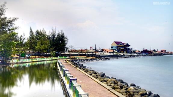 Objek wisata pantai di Pekalongan