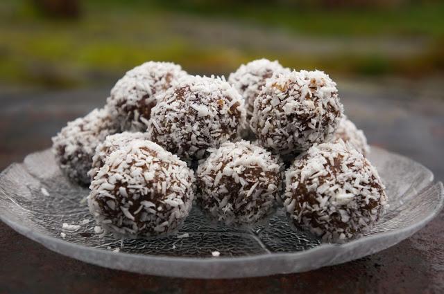 Kokosbollar med pepparkakskryddor