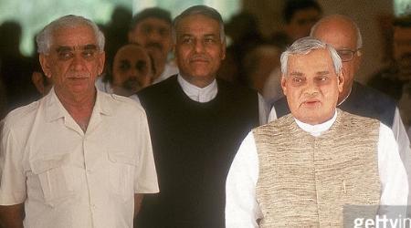 BJP: किसान मोर्चा के राष्ट्रीय अध्यक्ष ने अटल सरकार पर सवाल उठाए