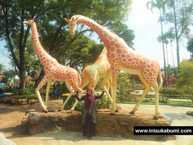 Taman yang Rindang Santasea Waterpark Sukabumi