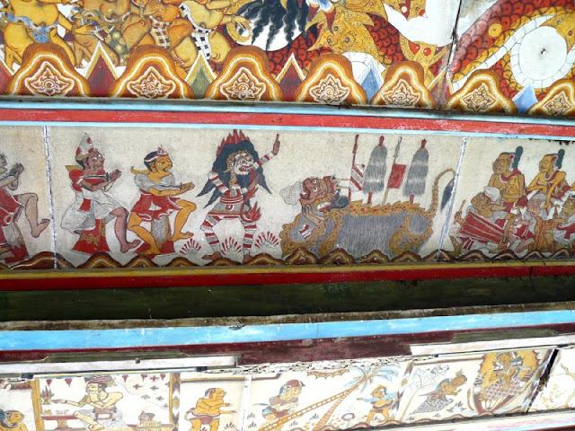 techo del palacio de justicia klungklung bali