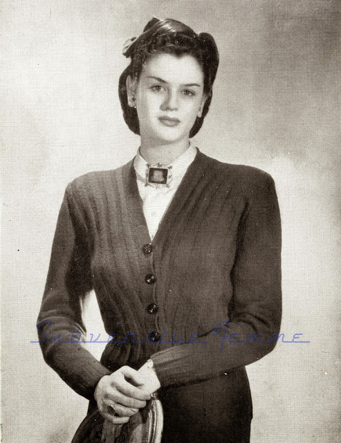 The Vintage Pattern Files: Free 1940's Knitting Pattern - Diagonal Cropped Cardigan