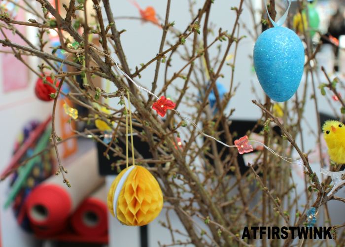 HEMA paastakken decorations: glitter eggs, honeycomb eggs, butterfly lights, and baby chick