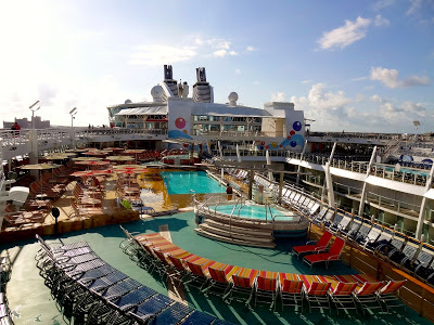 Oasis of the Seas Pool
