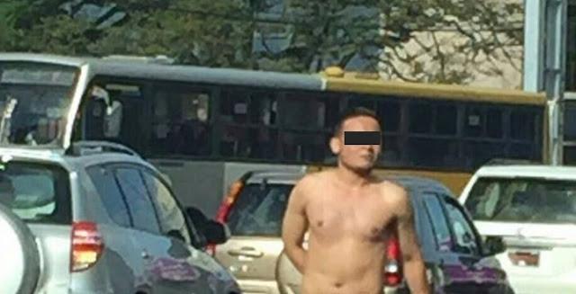 hombre desnudo calle: