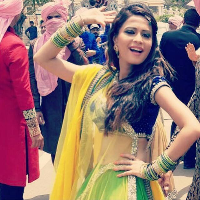 indian-instagram-girl-figure