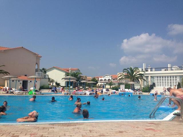 Kavos hotel pool