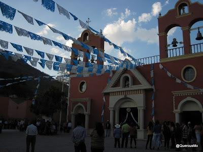Parroquía  de Cuexcomatitlán y banda de música