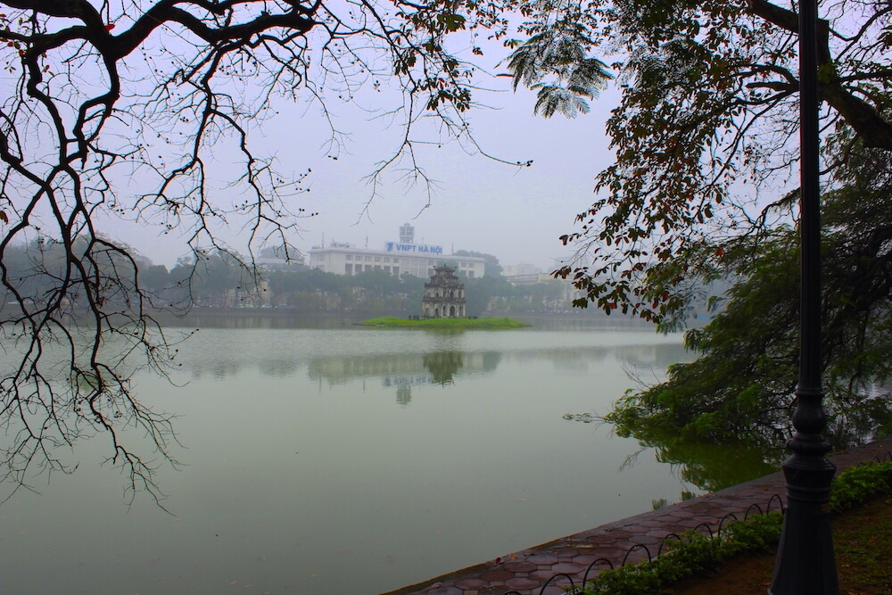 hoan kiem lake turtle tower