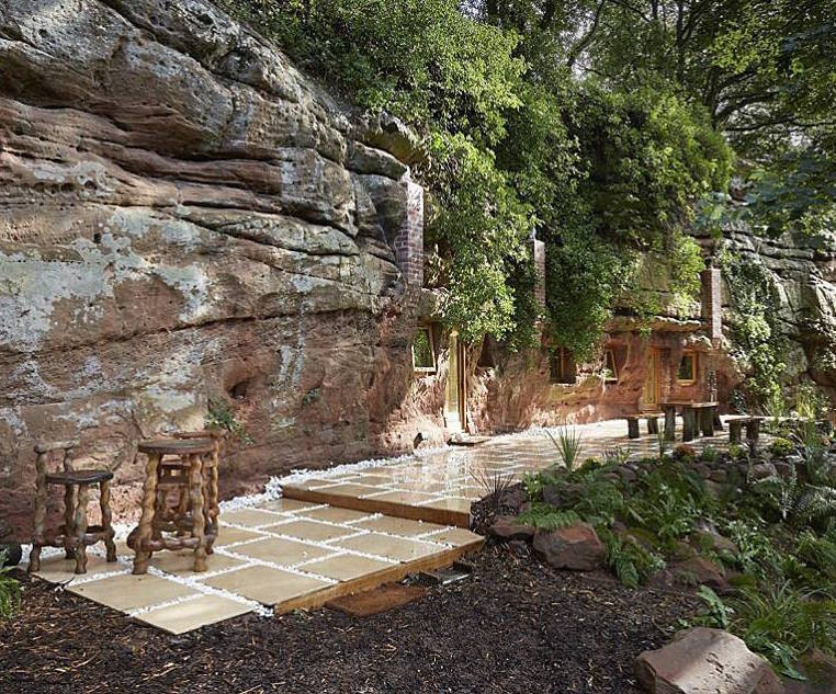 10-Dine-outside-on-the-Terrace-Angelo-Mastropietro-Caveman-Architecture-in-The-Rockhouse-www-designstack-co