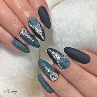 https://snaily-nails.blogspot.com/2017/11/kolie-na-marmurze.html