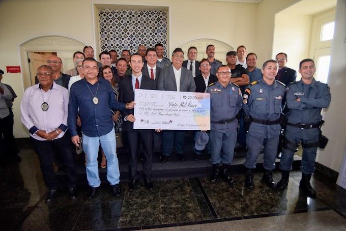 Três Policiais do 16º BPM/Chapadinha são premiados pelo governador Flavio Dino.