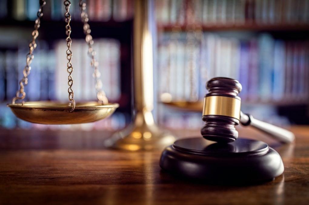 من هو محامي المجرمين ؟