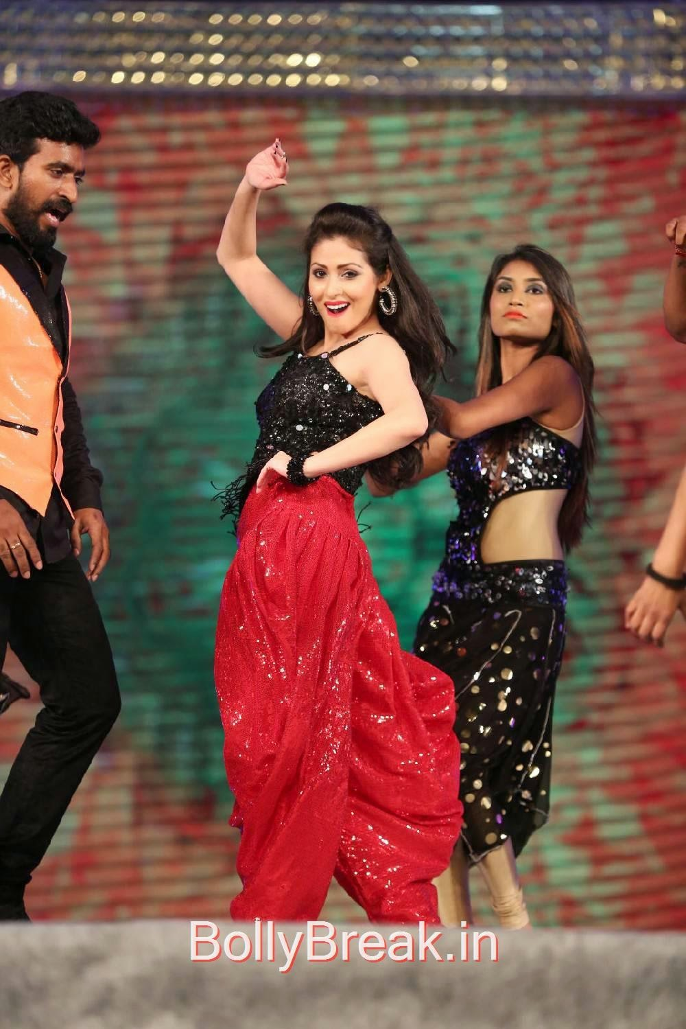 Heroines Dance Photos At Cinemaa Awards 2012: Actress Sada Sexy Dance Moves At Gama Music Awards 2014