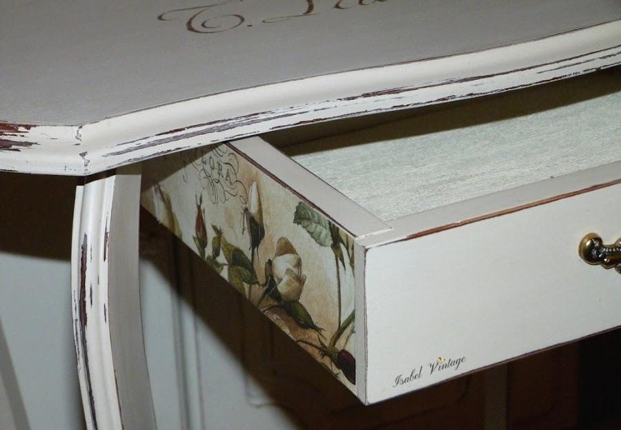 cajon-papel-mesa
