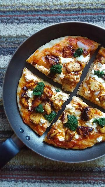 Skillet Pizza   Tawa Pizza - Eggless Recipe