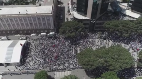 Drone video - how many protesters gathered today in the main square?
