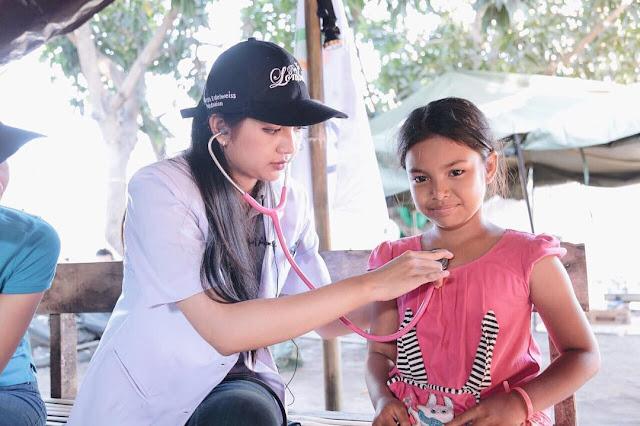 Estelita Liana Dokter Cantik yang lagi viral dickyanyo.com